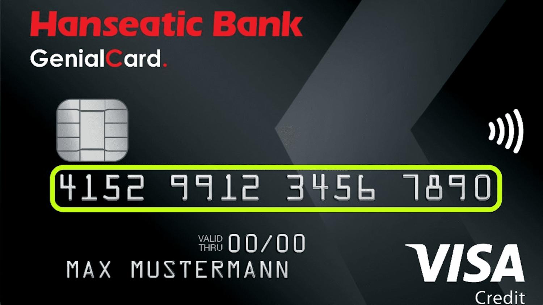 Eine Kreditkarte, auf der die 16-stellige Kreditkartennummer farbig umrandet ist.