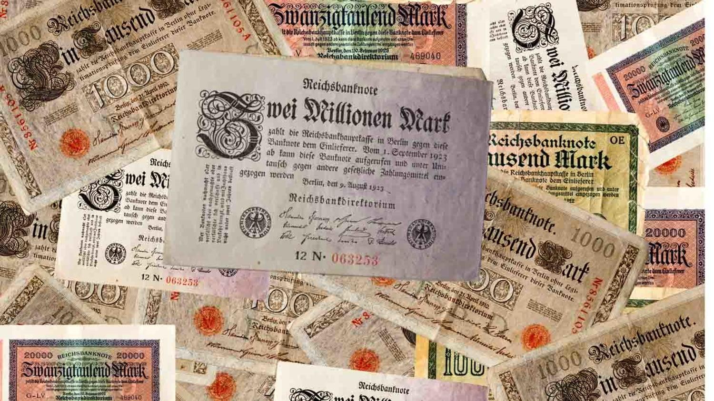 Deutsche Banknoten von 1922/23, im Mittelpunkt ein Zwei-Millionen-Mark-Schein